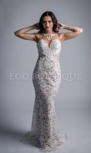 бяла бална рокля