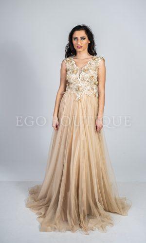 абитуриентска рокля от златиста дантела с телесен френски тюл