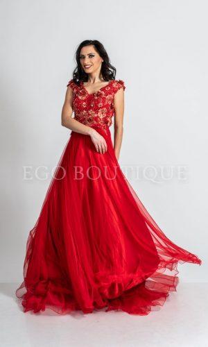 бална червена рокля от тюл и френска дантела