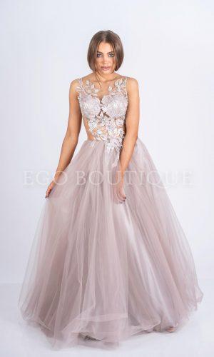 стилна бална рокля тип принцеса с ръчно шита дантела върху тен тюл