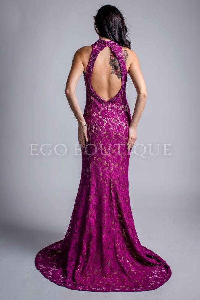 абитуриентска дълга дантелена рокля с гол гръб