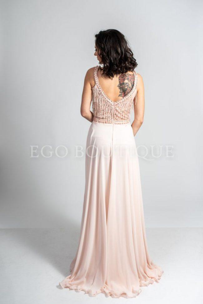абитуриентска рокля с остро деколте и гол гръб