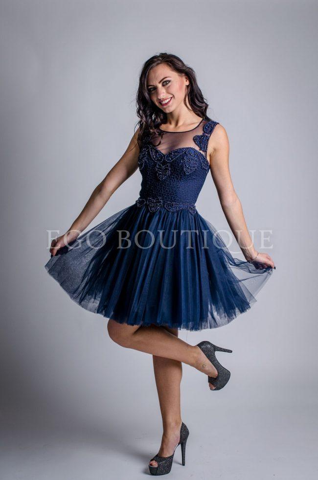 къса абитуриентска рокля в тъмно синьо