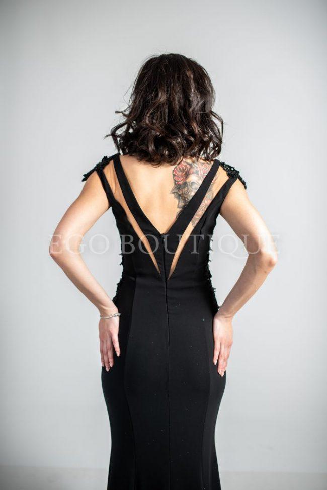 черна малка рокля