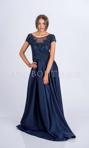 дълга абитуриентска рокля в тъмно синьо от френска дантела и тафта