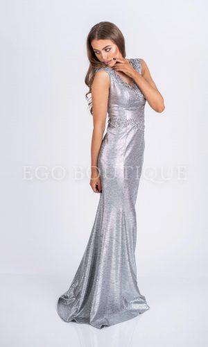 абитуриентска сребърна дълга рокля по тялото с голяма цепка