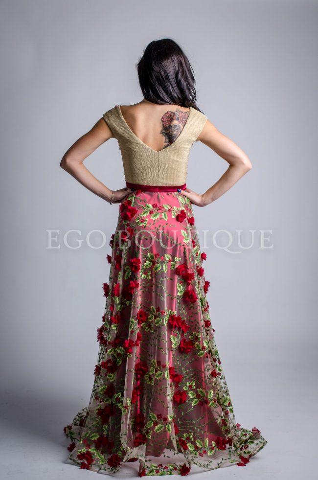 бална рокля в бордо
