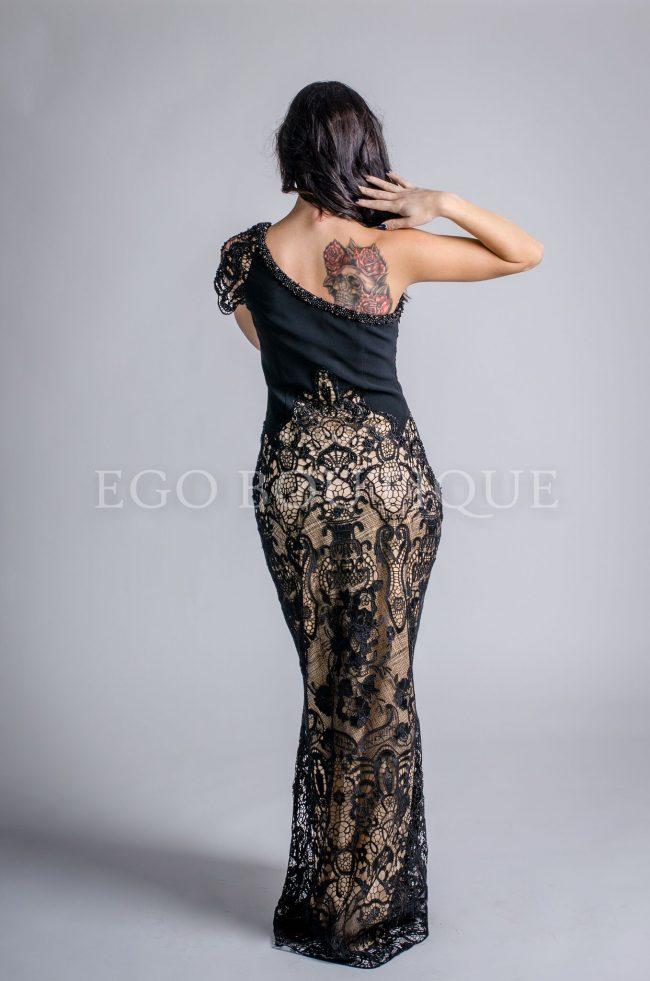 черна дантелена бална рокля
