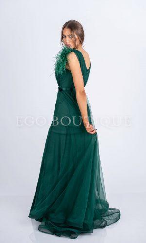 бална рокля в зелено от тюл с марабу