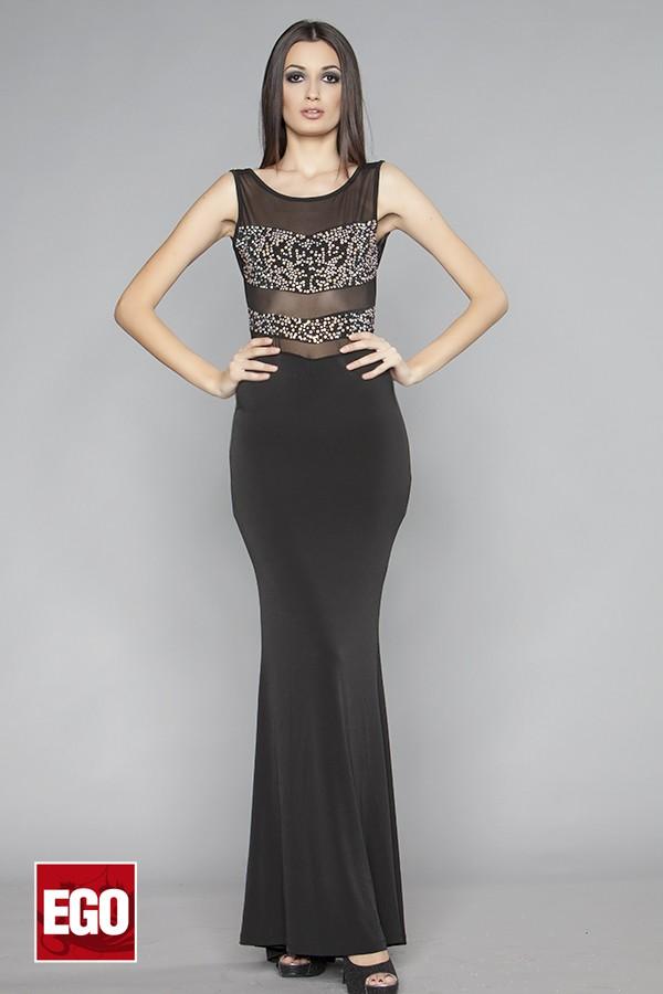 дълга парти рокля от еластична материя с гол гръб и камъни в черно