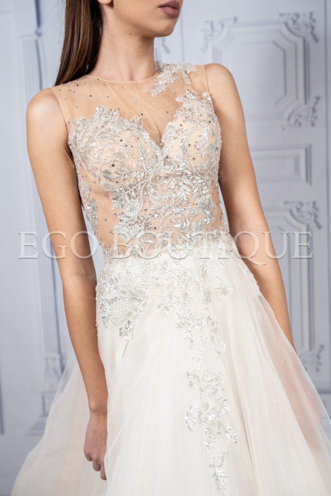 стилна абитуриентска рокля от френска дантела тюл и камъни