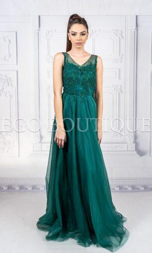 бална дълга зелена рокля с ръчно шити камъни