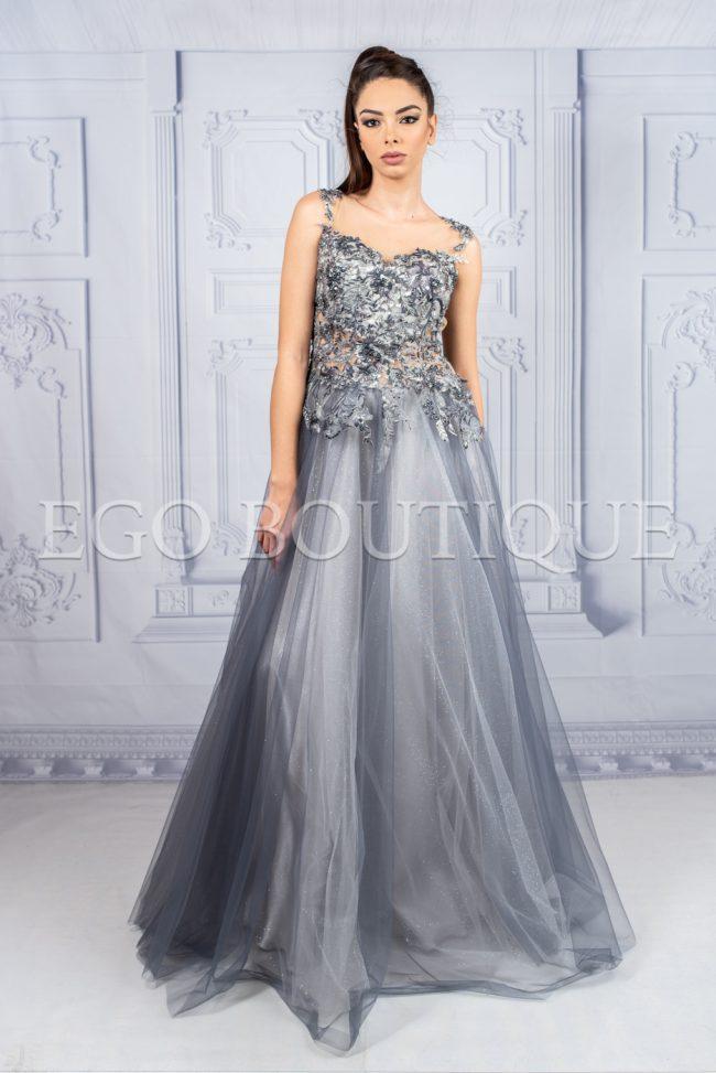 абитуриентска бутикова рокля в сива дантела и тюл тип принцеса