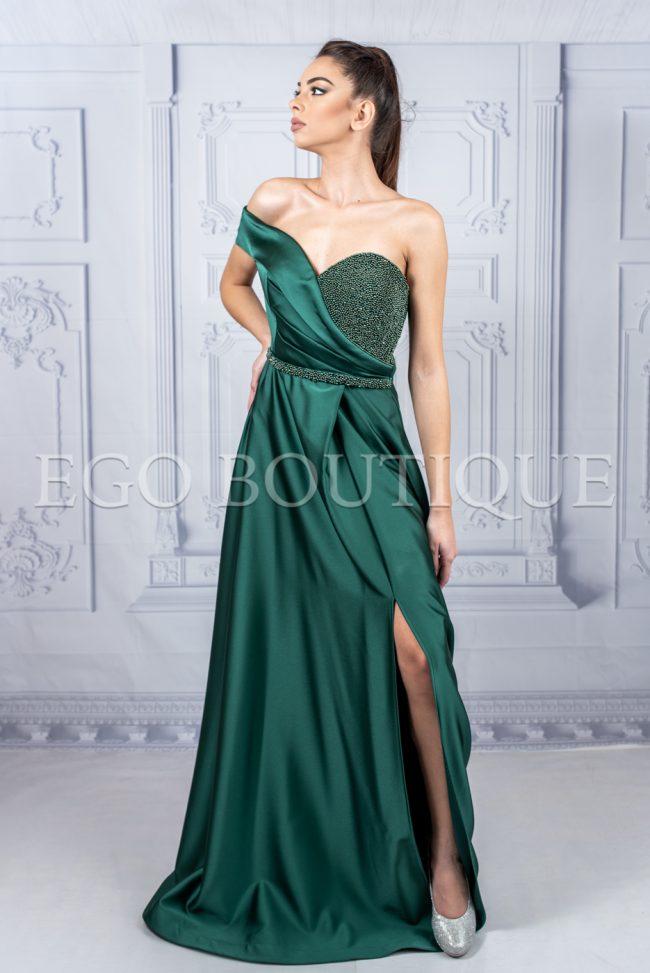зелена бална дълга рокля с асиметрично бюстие