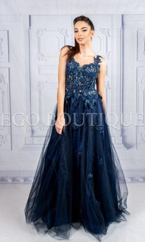 абитуриентска рокля за принцеси от френска дантела и многопластов тюл