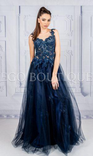 дизайнерска абитуриентска рокля от френска ръчно шита дантела и тюл в тъмно син цвят