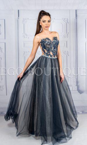 дълга бална рокля от френска дантела и многоцветен тюл