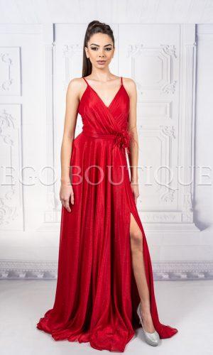 червена дълга абитуриентска рокля с тънки презрамки от френски блестящ шифон