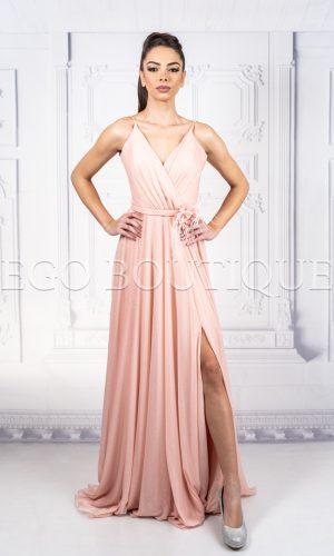 абитуриентска рокля разкроена от френски блестящ шифон в цвят пудра