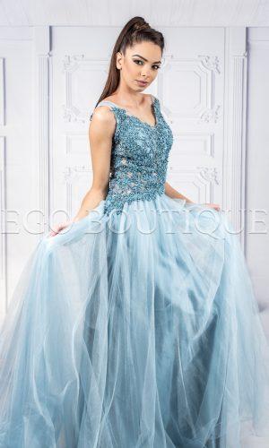 бална дълга разкроена рокля от френска дантела и шифон