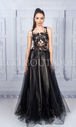 дизайнерска дълга черна абитуриентска рокля за принцеси от уникална дантела и многопластов тюл