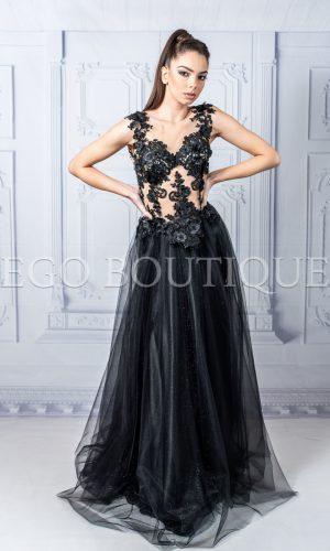 дълга абитуриентска бутикова черна рокля с дантела и тюл