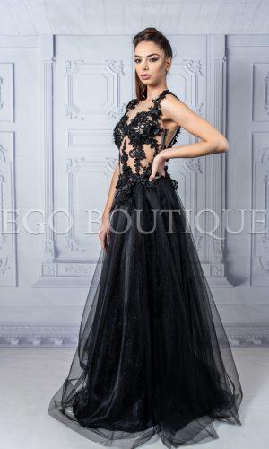 дизайнерска черна дантелена рокля с гол гръб