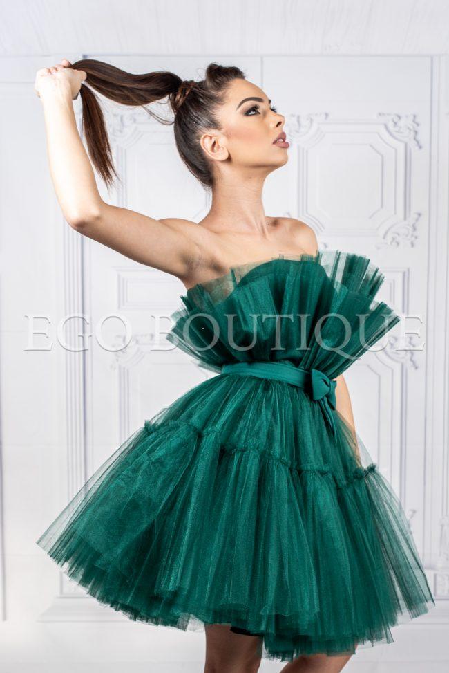 зелена къса абитуриентска рокля от тюл