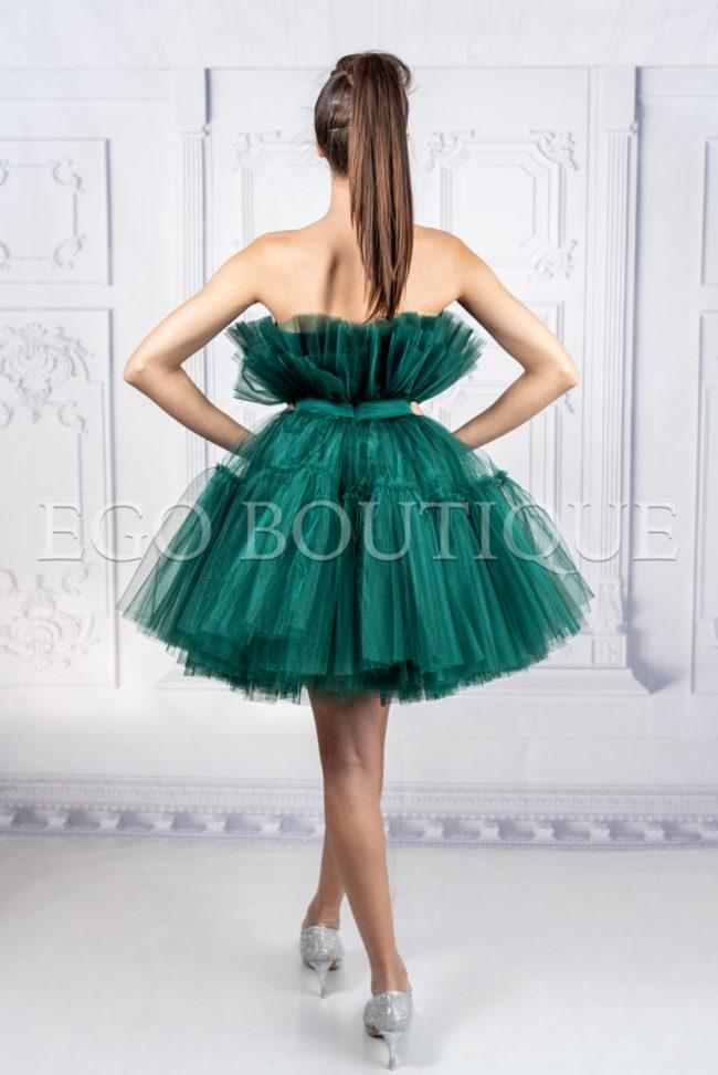къса зелена бална рокля от френски тюл