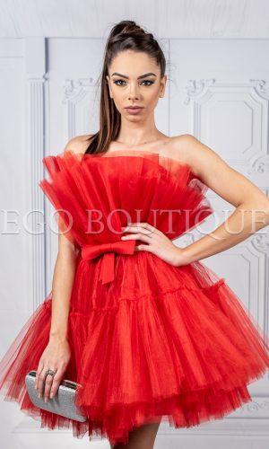 дизайнерска къса бална рокля от червен тюл
