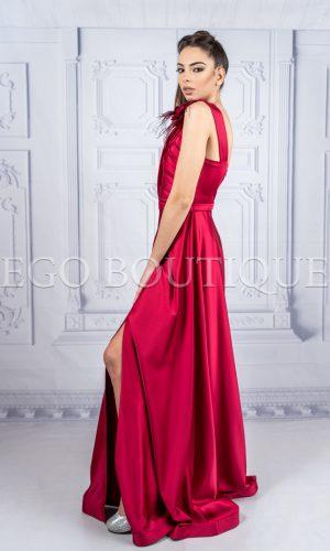 абитуриентска рокля зорница от червена тафта с едно рамо
