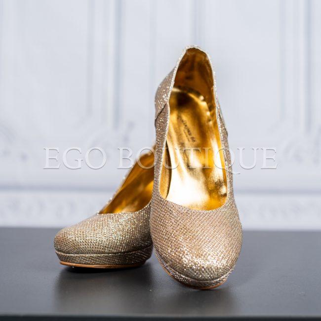 удобни дамски обувки с удобен ток