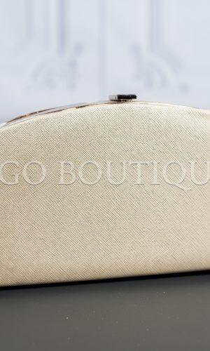 абитуриентска чанта софия с дръжка тип синджирче в бежов цвят