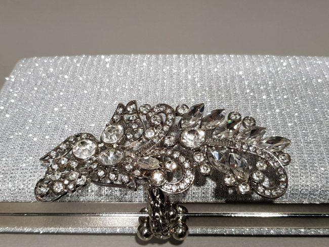 сребърна малка чанта с камъни