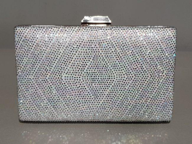 дамска бална чанта от сребърни камъни с метален обков