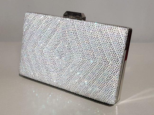 дамска абитуриентска чанта с метален обков и сребърни камъни