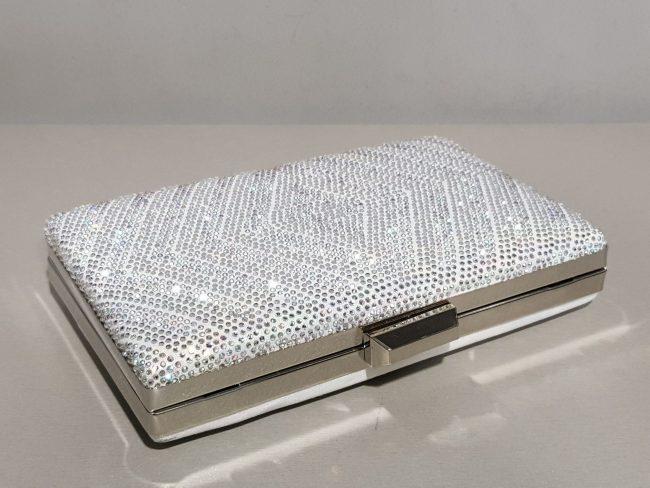 уникална дамска малка чанта в сребро