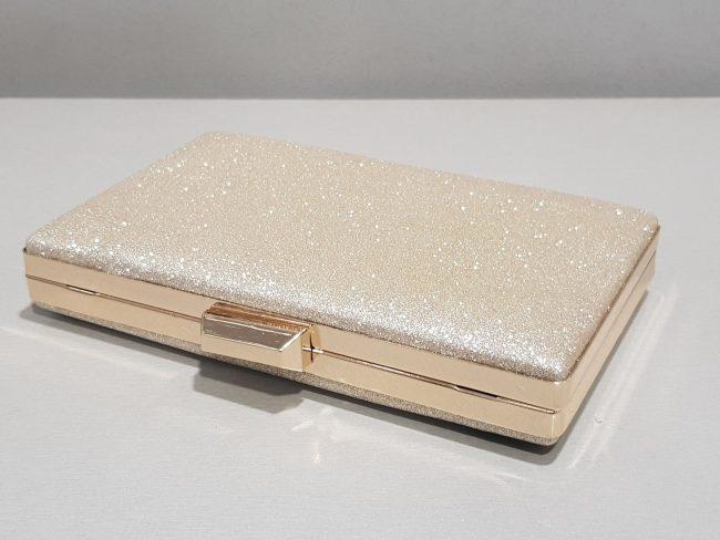бална златна чанта с метален обков