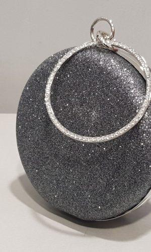дамска бална чанта в цвят антрацит с метална дръжка тип гривна