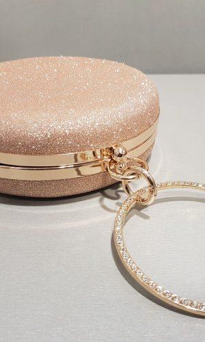 уникална дамска чанта с дръжка тип гривна