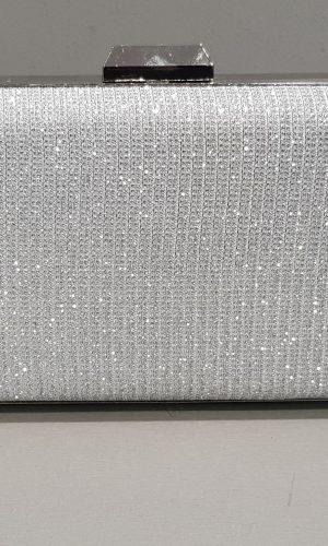 абитуриентска чанта от сребърна мрежа с метален обков и камъни