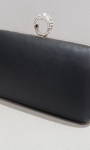 абитуриентска черна чанта от еко кожа с метален обков